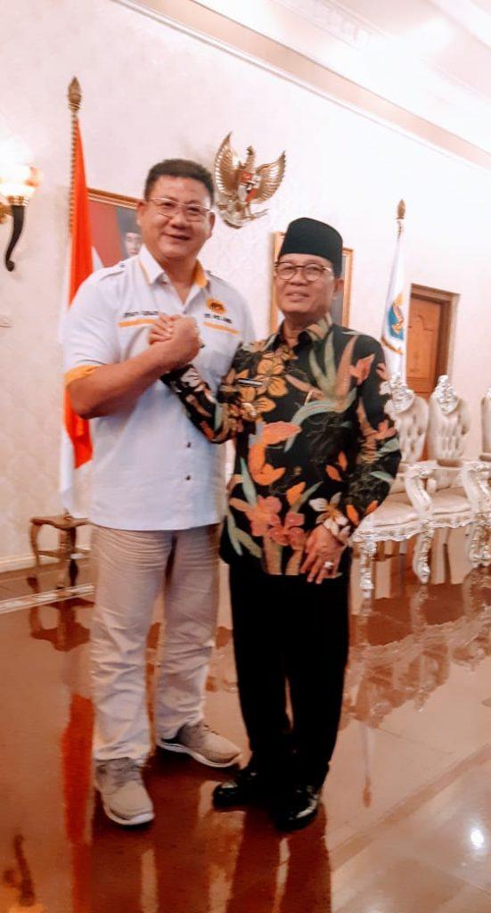Ketua APSI Jambi bersama Gubernur Jambi